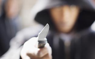 Verwirrter (18) hantierte mit Messer
