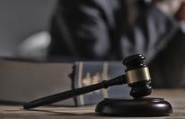 Veruntreuung von Geld: Ex-Mitarbeiterin angeklagt