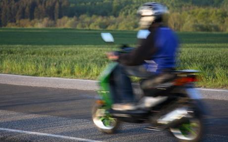 Polizei stoppt bekifften Mopedlenker auf Tangente