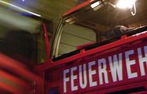 Bauernhof-Brand: Feuerwehrmänner verletzt