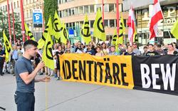 Mehr Polizei als Rechte bei Demo