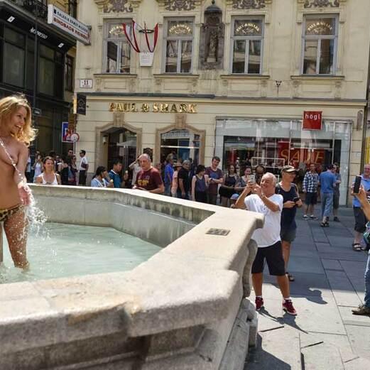 Hitze-Test: Nackt durch die Stadt