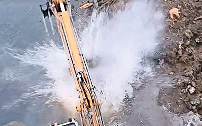 Murkraftwerk: Dusche für Aktivisten