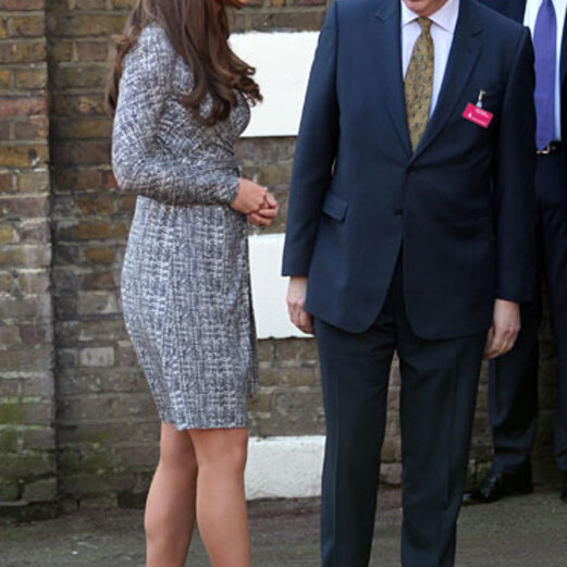 Schwangere Kate strahlt mit Mini-Bauch