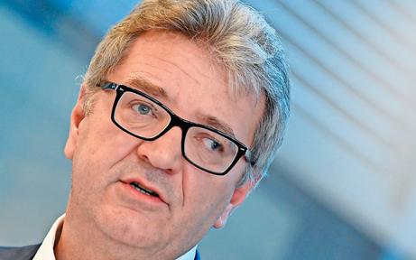 NS-Vergleich: FPÖ fordert den Rücktritt von Hacker