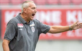 Trainerduell: Herzog kracht auf Pacult
