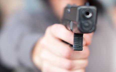 Tankstelle mit Pistole ausgeraubt