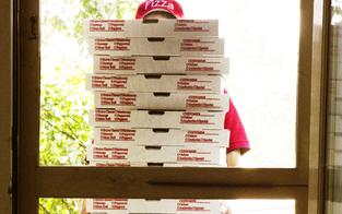 3.500 € Strafe für Pizza-Karton im Altpapier