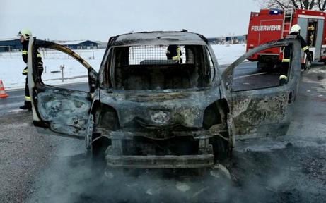 Pkw ging in Flammen auf