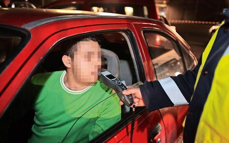 Alkolenker überrollte 17-Jährigen mit Auto