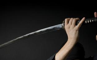 Prügel-Opfer zog Samurai-Schwert