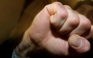 Vater verprügelte Cops vor den Augen seines Buben
