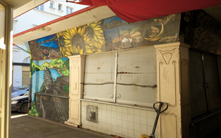 Sechs Stände am Schlingermarkt vor dem Abriss