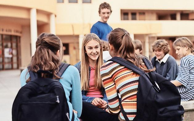 Schulhof Pause Deutschpflicht