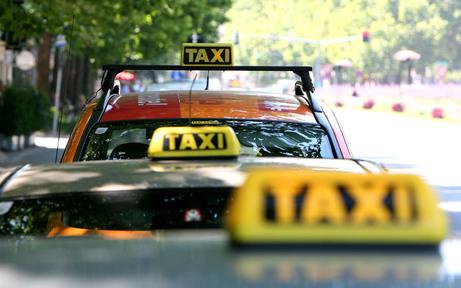 "Wirbel um große ""Taxi-Razzia"" in Wr. Neustadt"