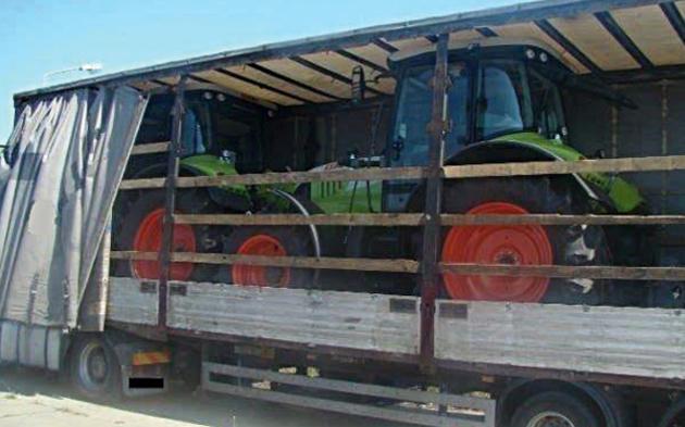 Traktor-auf-Sattelzug.jpg