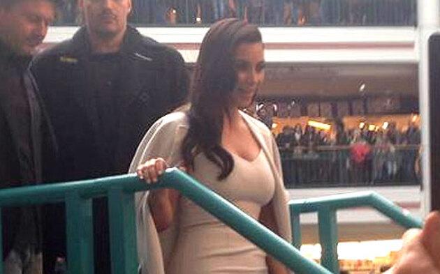 Kim Kardashian in der Lugner City