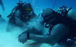 Irre: Hier kämpft Mike Tyson mit einem Hai