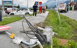 Horror-Crash mit Rettungswagen fordert in Tirol zwei Verletzte