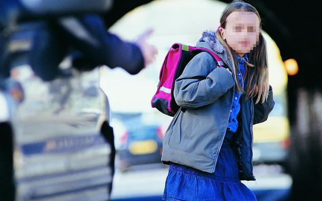 Entführung Kind Schule Mädchen Fremder