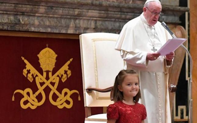 Kleine Niederösterreicherin sorgte bei Papst-Audienz für Lacher