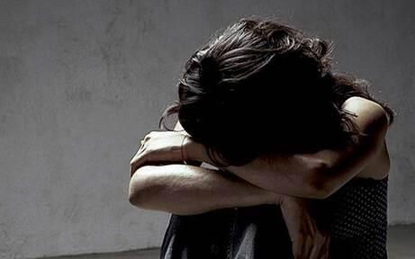 2 Vergewaltiger fielen in Auto über Frau her