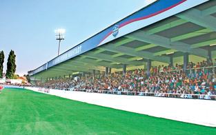 Teddybären-Firma eroberte Stadion