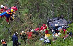 Vier Tiroler überlebten 50-Meter-Auto-Absturz