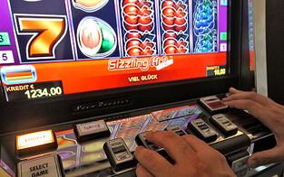 Illegales Glücksspiellokal von Polizei ausgehoben