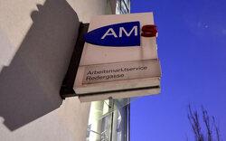 Mit 2,8 Promille zum AMS: Mann verhaftet