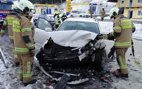 Mehrere Verletzte nach Frontalcrash in der Steiermark