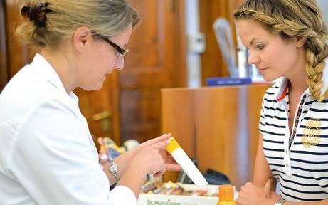 Arztpraxis in Container mit Apotheke eröffnet