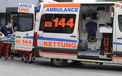 Kopf von LKW-Fahrer eingeklemmt - tot