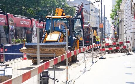 Wasserrohrbruch in Alsergrund legte Verkehr lahm