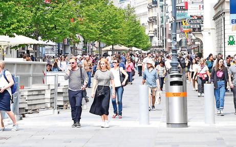 Kärntner Straße: Erste Poller stehen