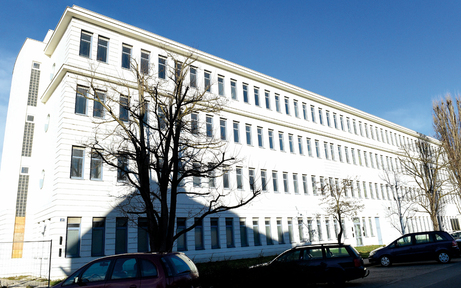 Liesing fordert 20 Securitys für Asylquartier