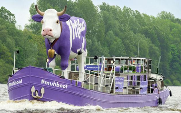 Muhboot auf dem Donausinselfest