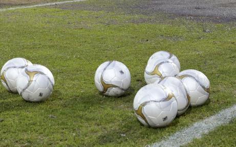 Irre: Mödling kickt Fußballer raus