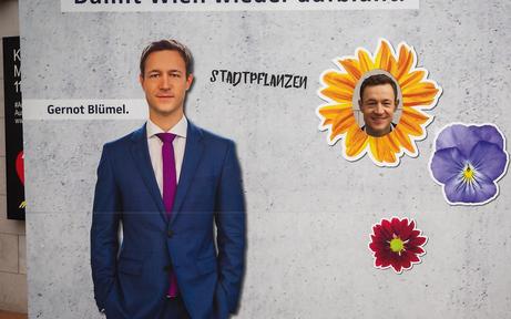 """ÖVP-Fans feiern neuen Chef mit """"Pappkamerad-Fotos"""""""