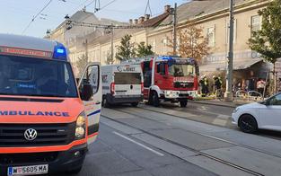 Feuer bricht in Wiener Geschäft aus: Drei Verletzte