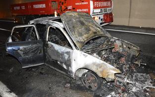 Semmeringtunnel gesperrt: Auto in Vollbrand