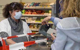 Streit um Corona-Maske: Erste Festnahme im Supermarkt