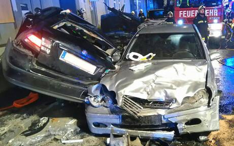 Horror-Crash bei Hainburg: Zwei Tote