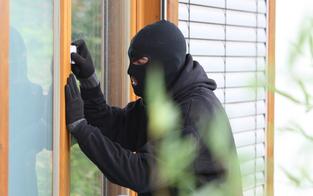 Wohnungseinbruch: Mehrere Zehntausend Euro Schaden