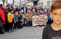 Wiener Kinder kämpfen: ''Timi muss bleiben''