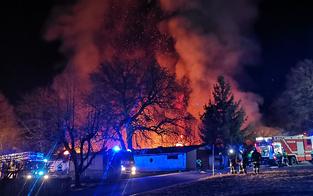 20 teure Kult-Autos von Feuer vernichtet