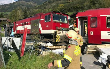 Fünf Verletzte bei Bahn-Crash