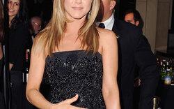 Jennifer Aniston: Versteckt sie Baby-Bauch?