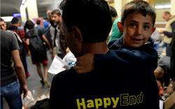 Flüchtlingsbusse am Westbahnhof angekommen