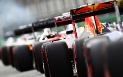Formel 1 fährt vor 13.000 Zuschauern in Imola